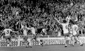 Bobby Stokes celebrates FA Cup winning goal versus Manchester United