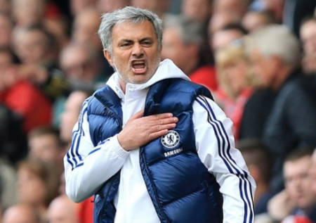 Mourinho celebrating against Liverpool