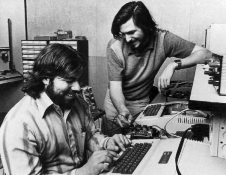 Steve Jobs and wozniak-1977