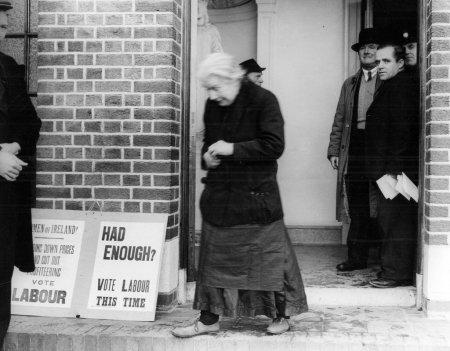Voting in 1943